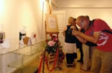 """Wystawa MBP """"Rzeźby z papieru książkami inspirowane"""" 3"""